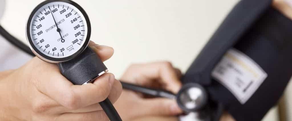فشار خون بالا دکتر قلب تأثیر بهترین تغذیه خوب در بیماری های قلب و عروق، فوق تخصص و متخصص قلب و عروق تهران، خدمات مطب دکتر حمیدرضا صنعتی